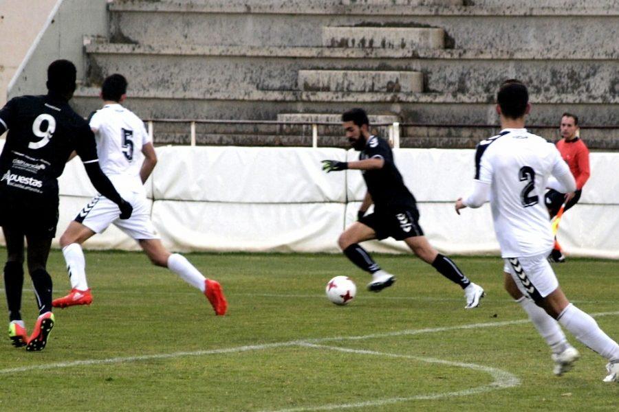 El Conquense consigue la quinta victoria consecutiva ante un fuerte Albacete B