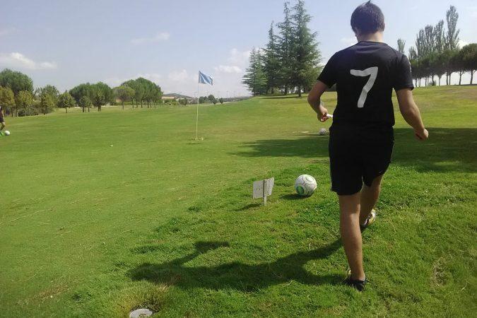 Un día de footgolf con nuestros cadetes regionales.