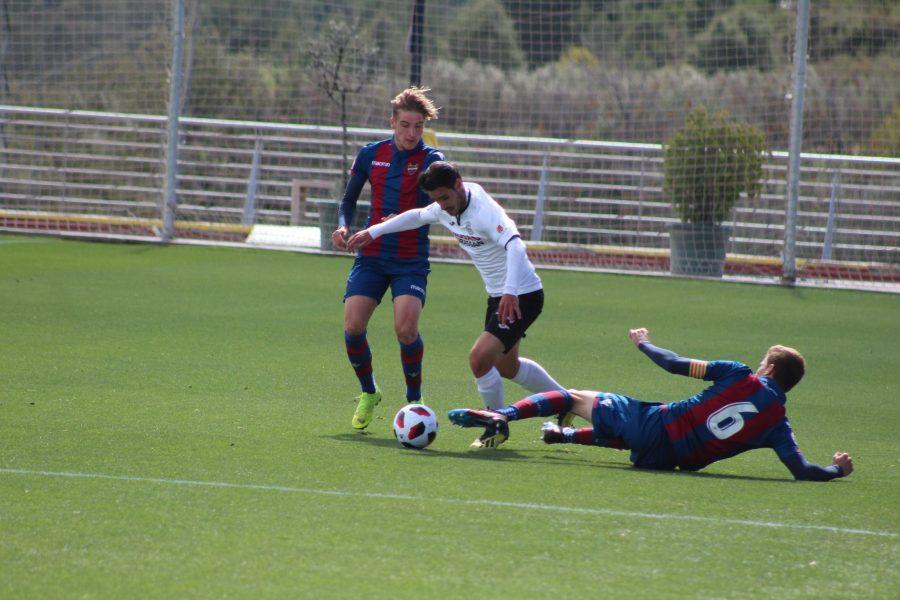 El Conquense con ocasiones empata con el Atlético Levante